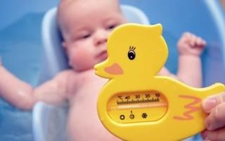 Оптимальная температура воды для купания новорожденного