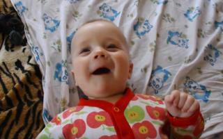 Как ребёнка научить говорить «мама» и «папа»?