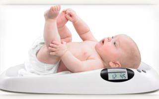 Сколько грудного молока должен съедать новорождённый?