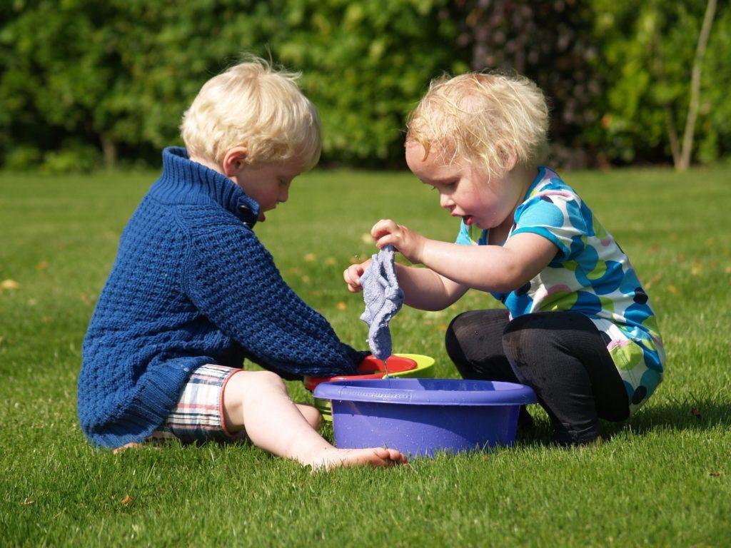 Интересные игры для детей 3-4 лет своими руками.