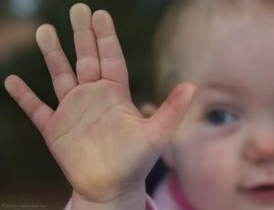 Что должен уметь ребёнок в 1 год?