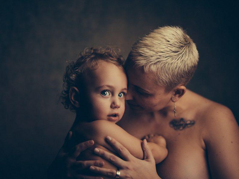 Лобковые волосы у ребенка 5 лет
