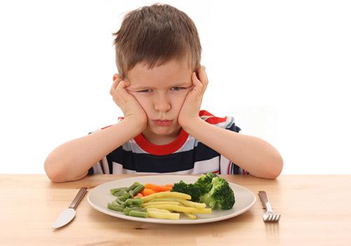 Ребенок очень плохо ест в 5 лет: что делать?