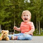 Ребёнок в 2-3 года часто психует