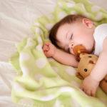 Ребёнок в 8 месяцев плохо спит ночью