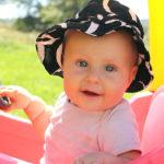 Развитие ребёнка в 8 месяцев: норма, возможные проблемы и методы их решения