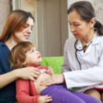 У ребенка болит левый бок живота и температура thumbnail