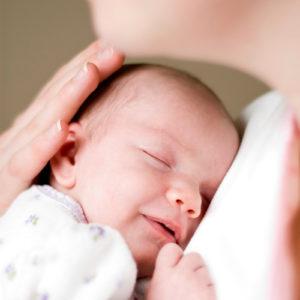 Что должен уметь ребёнок в 1 месяц?
