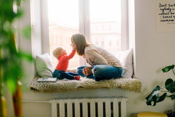 Развитие ребенка в 11 месяцев: что должен уметь малыш?