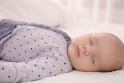 Нормы сна и бодрствования ребёнка от рождения до 1 года