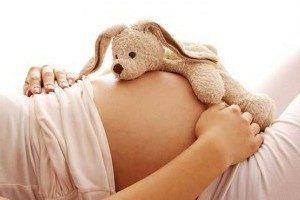 Жёлтые выделения во 2 триместре беременности: причины и методы устранения