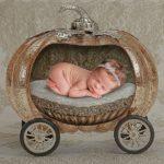 Почему новорожденный вздрагивает во сне?