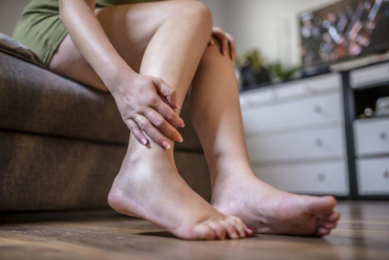 Почему отекают ноги после родов?