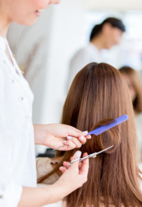 Почему во время беременности нельзя стричь волосы?