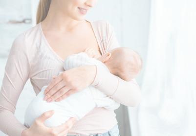 Как правильно прикладывать новорожденного для кормления?