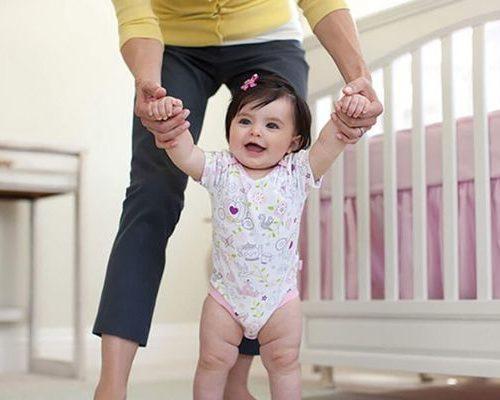 Для того, чтобы ребенку научиться ходить нужно